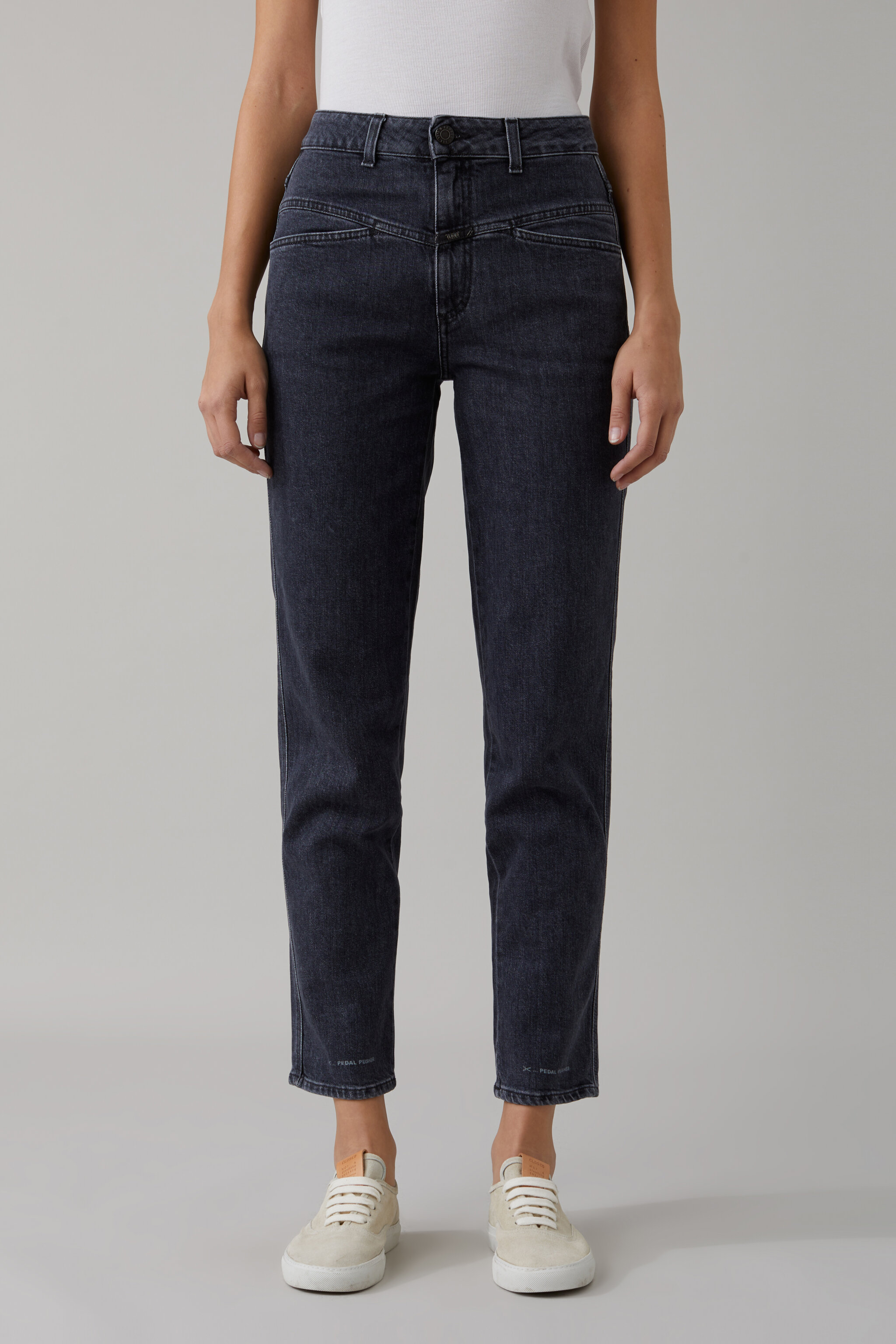 - Damen CLOSED Pedal Pusher Authentic Black Stretch Denim | 4054736619391