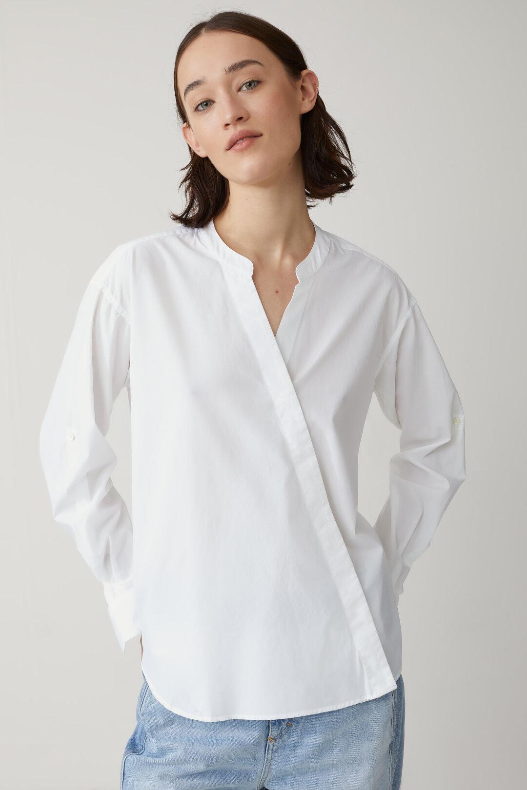 Lange Bluse mit Stehkragen